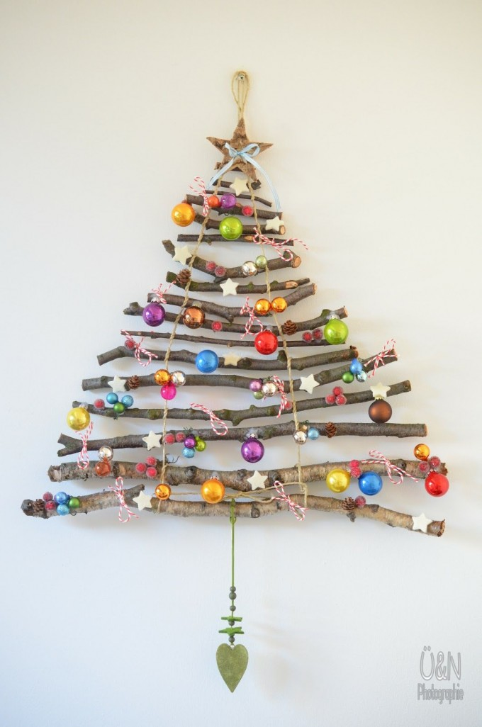 diy-hanging-stick-christmas-tree