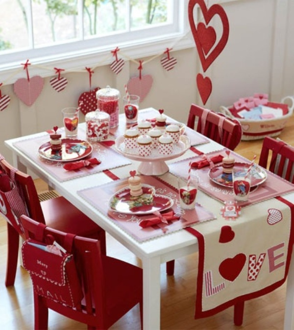 Modern Valentine's Day Dining Decor