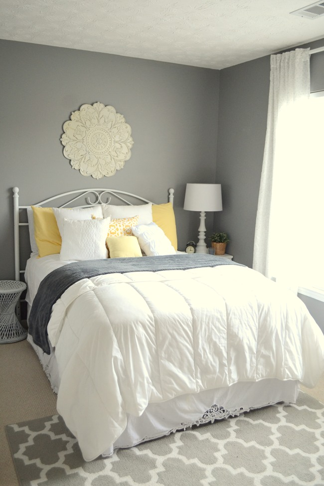Chic Guest Bedroom