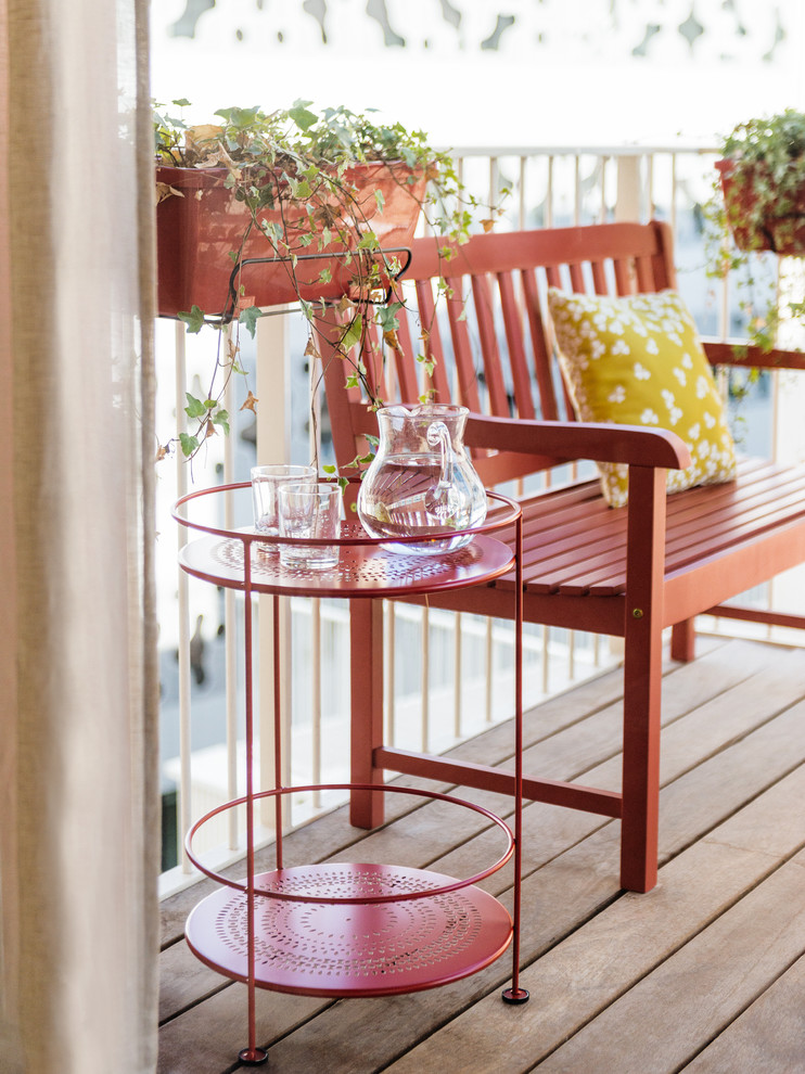 Small Midcentury Balcony Design