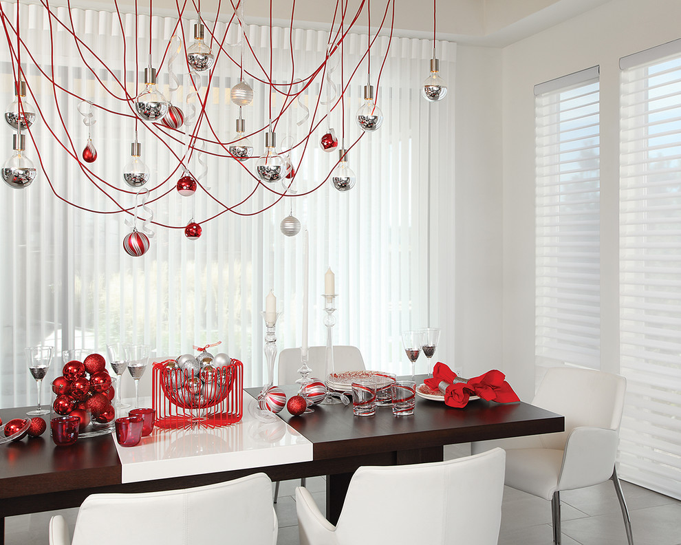 All White Dining Room Christmas Decoration