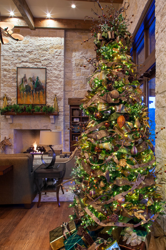 Country Style Family Room Christmas Tree