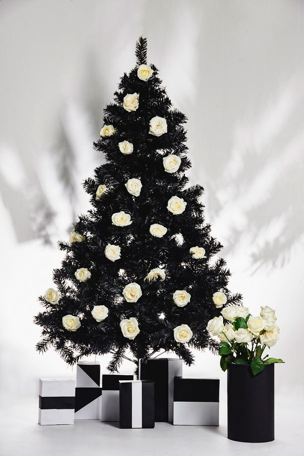 Black & White Floral Christmas Tree