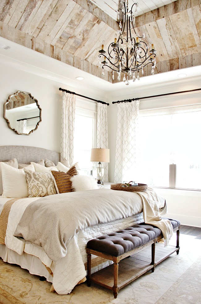 Light and White Combination Bedroom Design