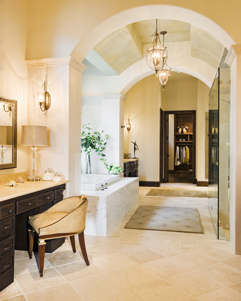 Hollow Mediterranean Style Bathroom