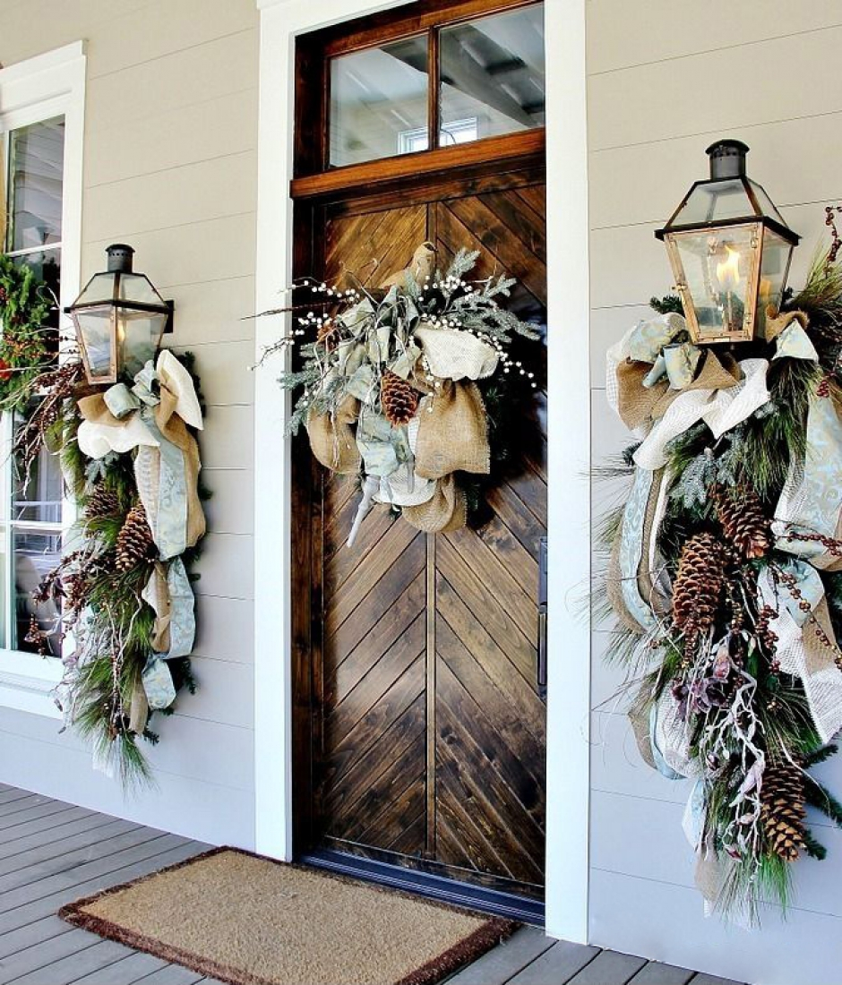 Christmas Door decoration with Fabrics dwellingdecor