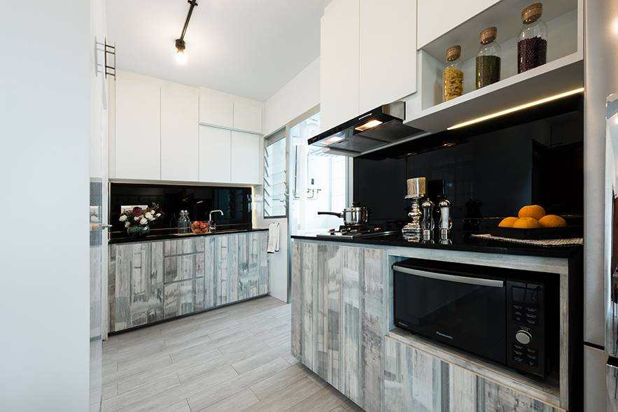 Large Kitchen With Two-toned cabinets