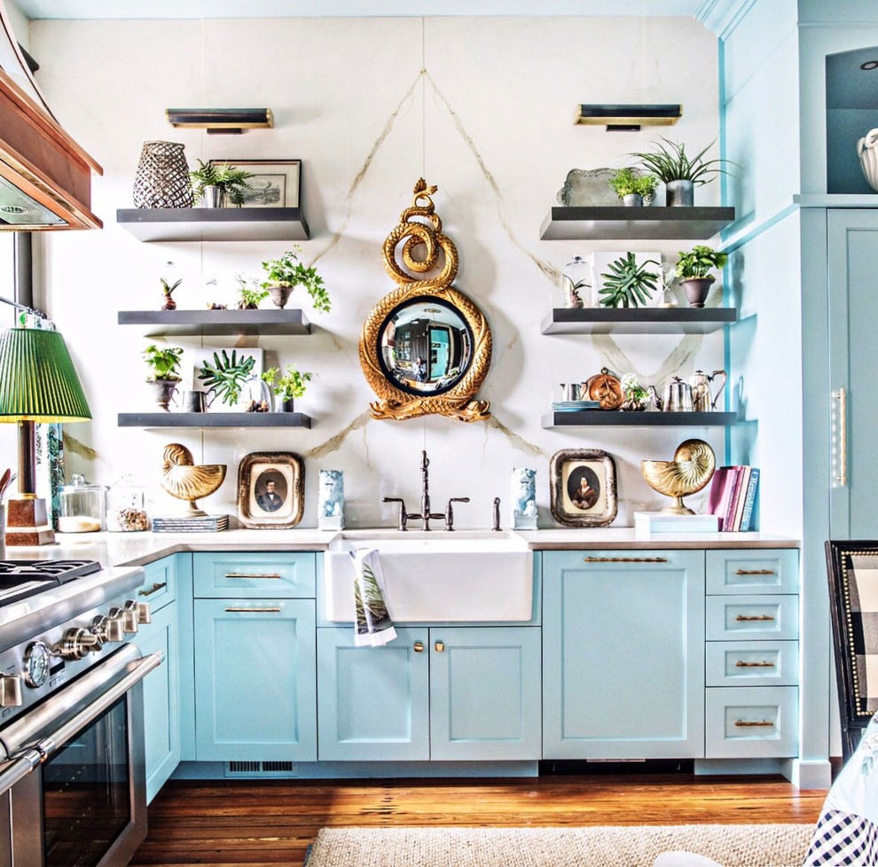 Mid-sized Eclectic U-shaped Medium Tone Wood Floor And Brown Floor Eat-in Kitchen
