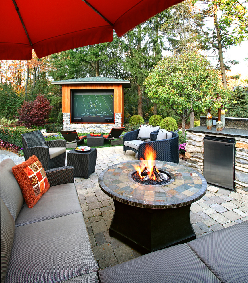 Contemporary Style Patio With Beauty Dwellingdecor