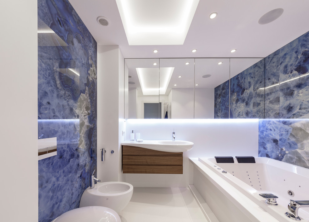 Contemporary Master Bathroom With Whirpool Bathtub