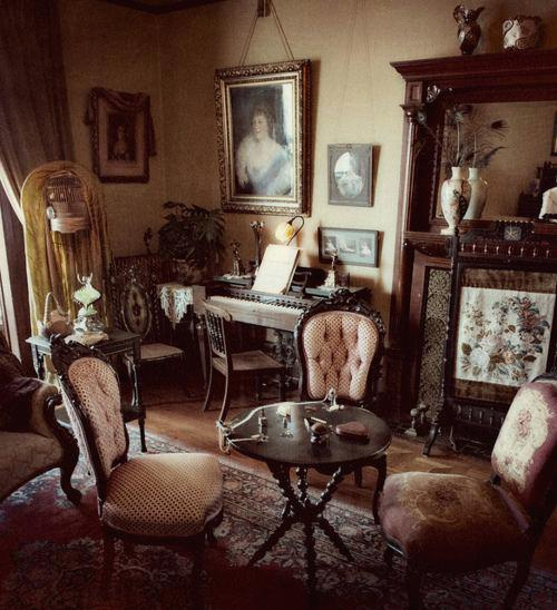 Victorian Living Room (28)
