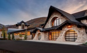 35 Garage Door Designs For Your Inspiration