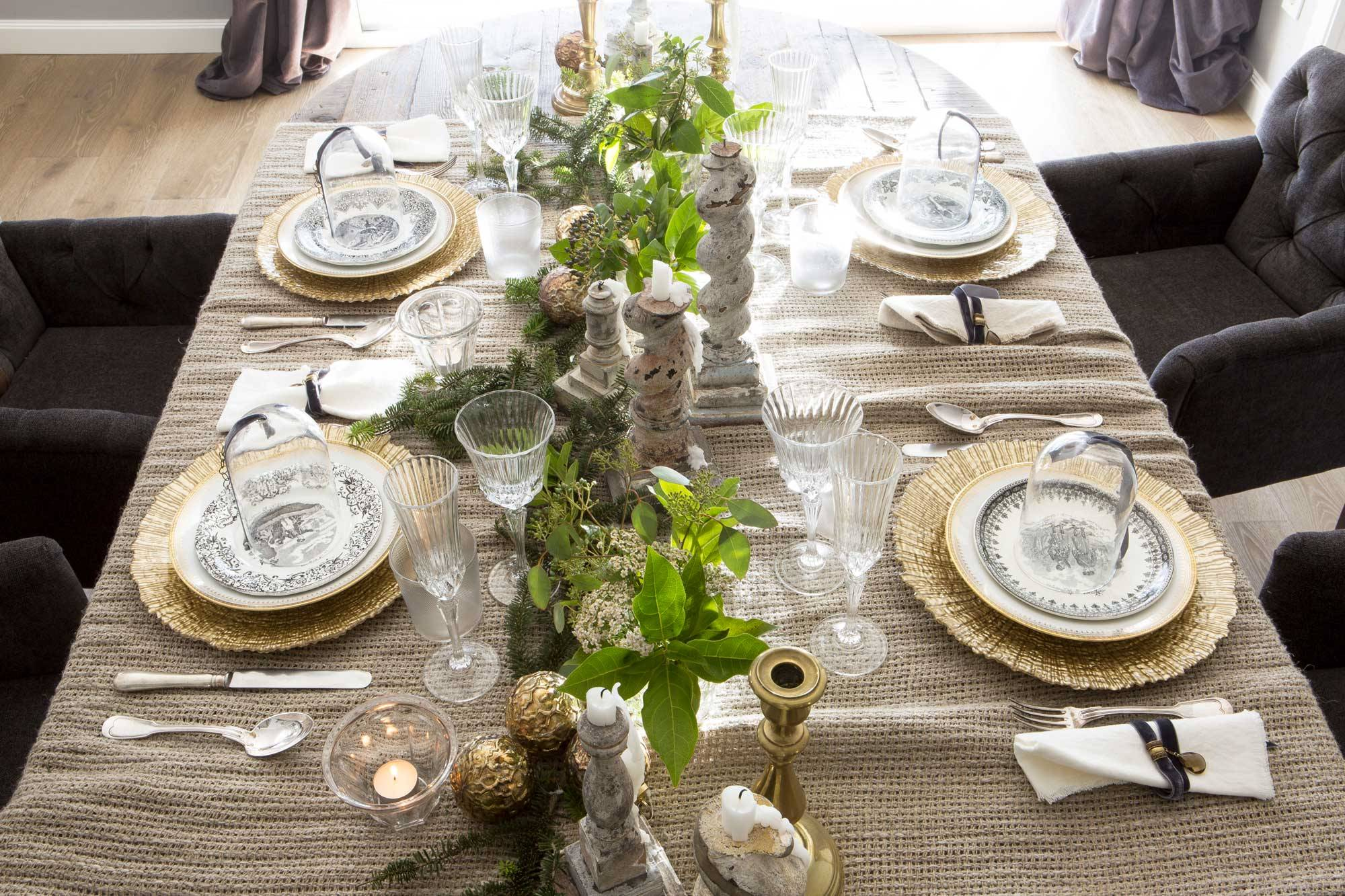 CENTERPIECES FOR A CLASSIC CHRISTMAS
