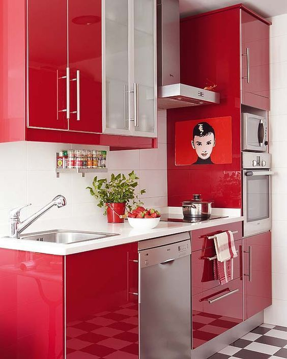 Kitchen in passion red