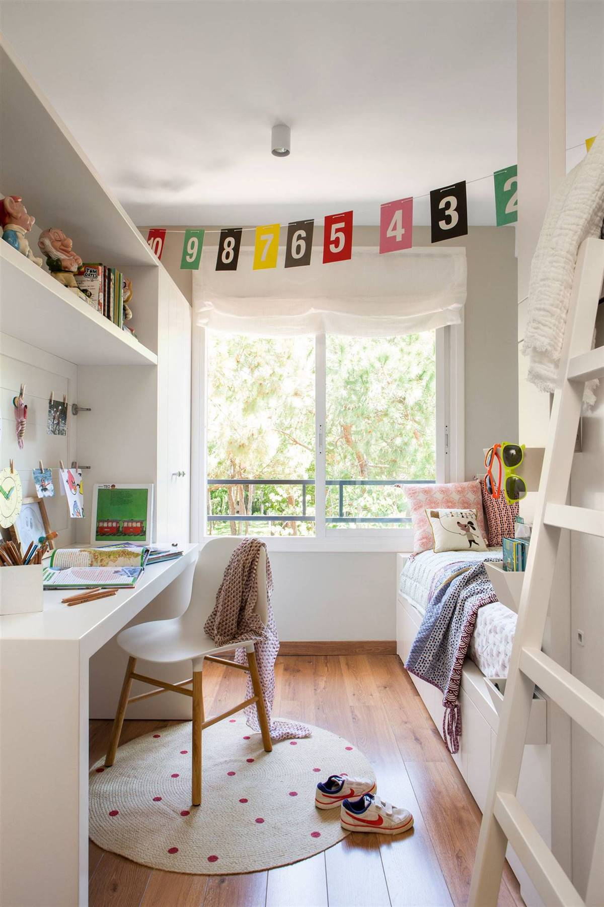 WITH A COMPLETE STUDY AREA AND A VERY CAPABLE CLOSET