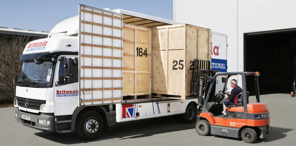 Camión de mudanzas porta contenedores