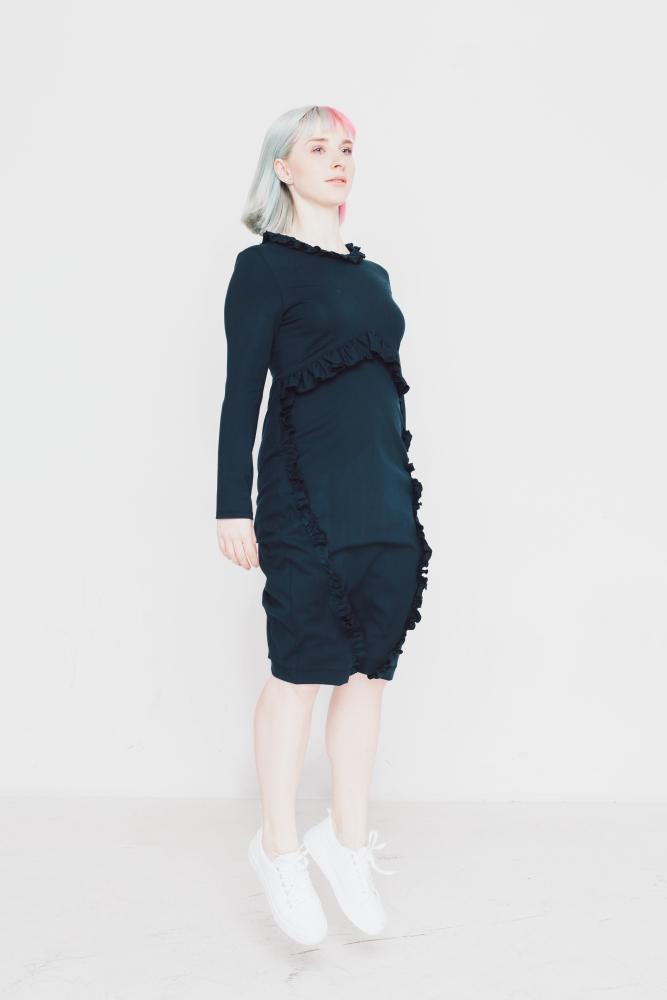 """Schnittmuster für das Kleid """"Pechner"""" von Initiative Handarbeit - Hier in marineblau genäht."""