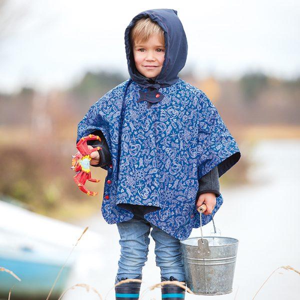 Nähanleitung für einen Regenponcho für Kinder von Buttinette - Beispielbild