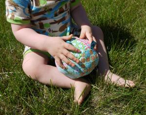 Fertiggenähter Spielball Penti Ball von Am liebsten Sorgenfrei mit kostenlosem Schnittmuster