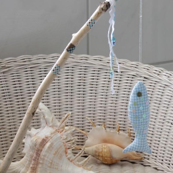 Fisch an der Angel als Dekoration für das Haus nähen