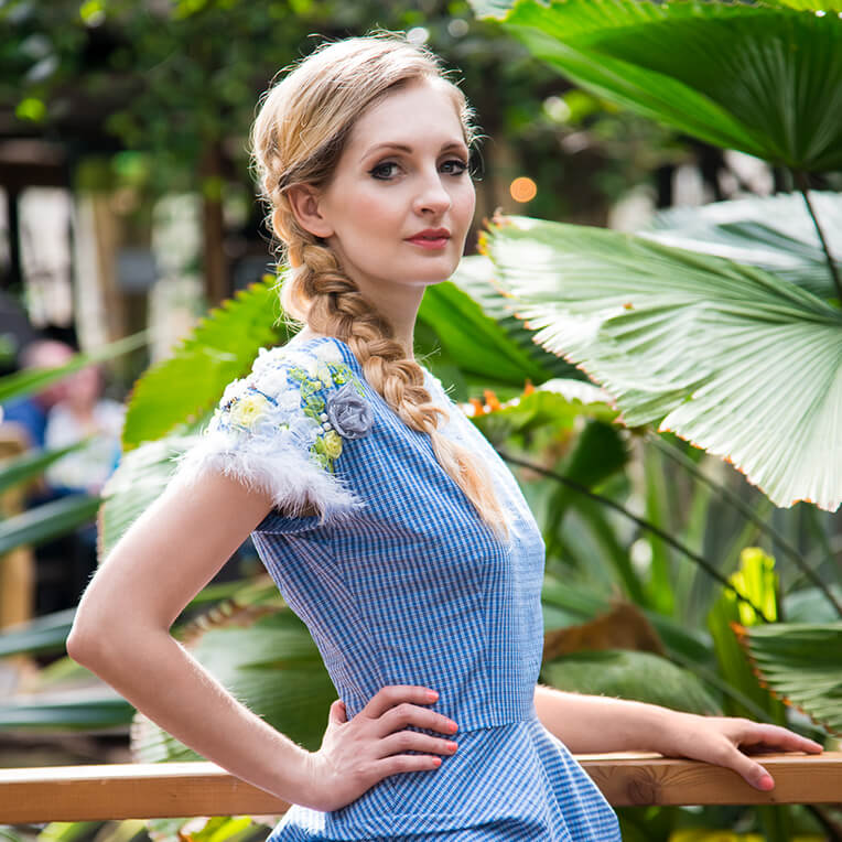 Blaues Kleid nähen mit Nähanleitung