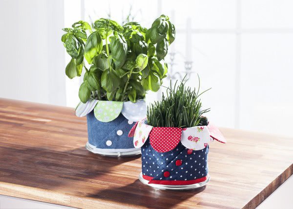 Bunte Übertöpfe für Blumen mit Nähanleitung von Buttinette nähen