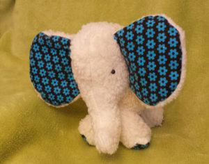 Kuscheltier Elefant nähen mit Schnittmuster und Nähanleitung von Stefanie Perlenfee