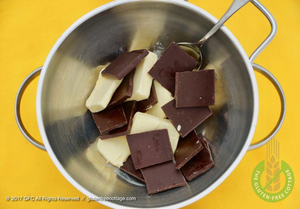 Preparation for chocolate glaze (gluten-free banana cake with chocolate glaze).