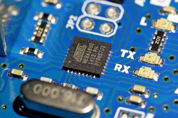 Image of circuit board by Manseok Kim at Pixabay