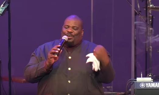 Photo of Pastor Sipho Ngwenya Tops iTunes Chart