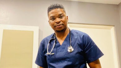 Photo of Dr Tumi Offers Services To Tembisa Hospital's To Help Contain The Spread Of The Corona Virus