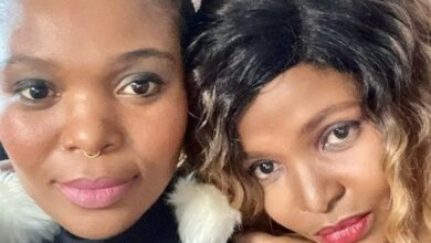 Photo of Musician Simphiwe Dana And Girlfriend Get Engaged
