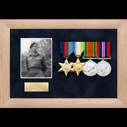 Foto medaglia display frame per fino a 4 medaglie-4
