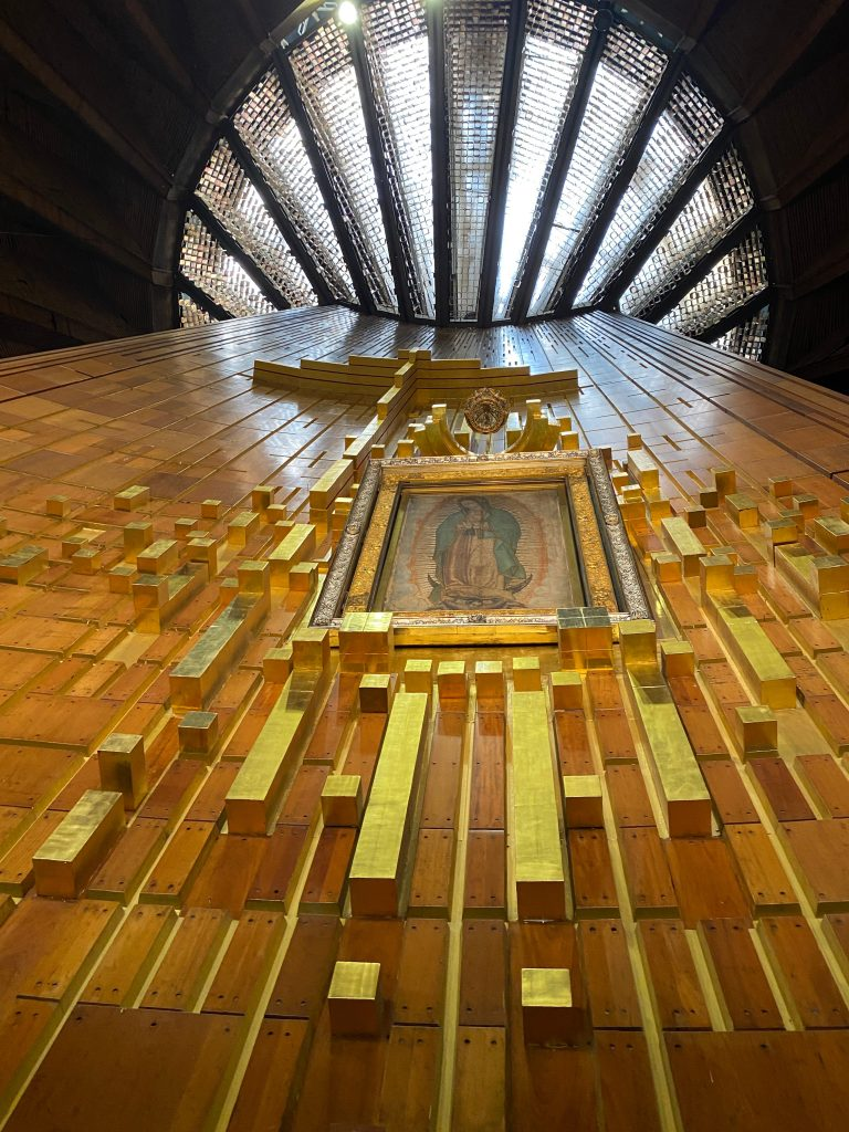 Manto de la Virgen de Guadalupe