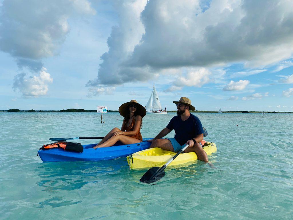 Kayak en hotel Aluxe