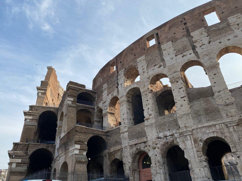 3 anillos de Coliseo Romano