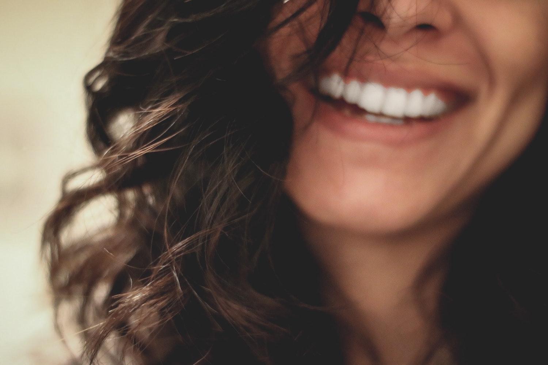 smiling sourire la confiance en soi