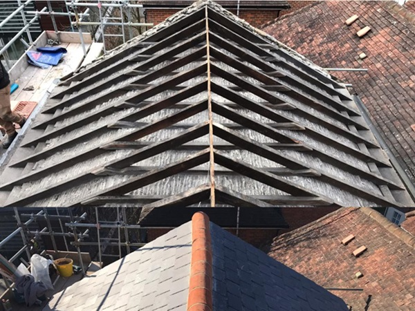 Re-slating roofs in Hertfordshire