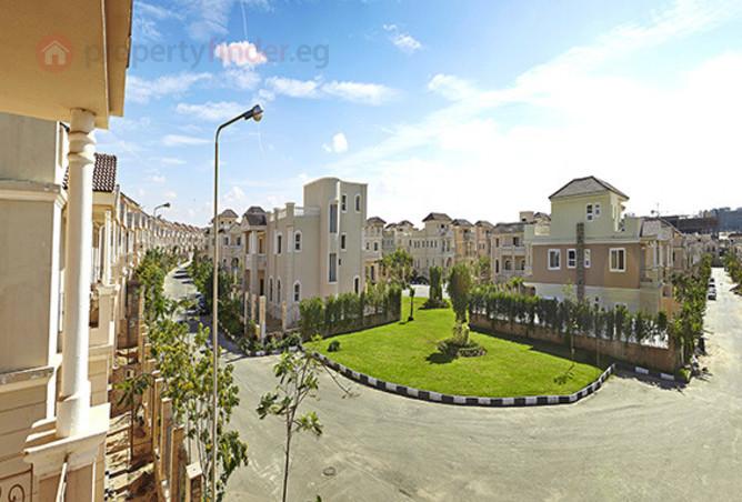 Villa Standalone In Compound Maxsim At New Cairo
