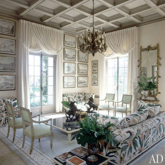 Cap- Ferrat villa by Alberto Pinto. The walls are graced with 18th-century engravings. Directorio Deco by Gloria Gonzalez