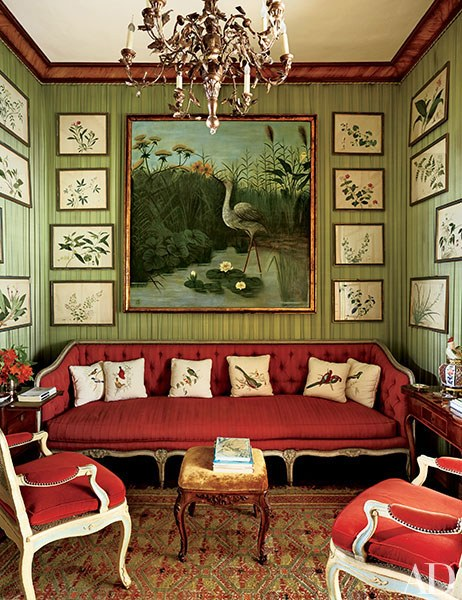The televisión room at Villar Perosa, Marella Agnelli's country home. Directorio Deco by Gloria Gonzalez