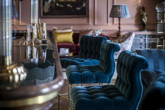 The parrot bar. Beaverbrook hotel. Surrey