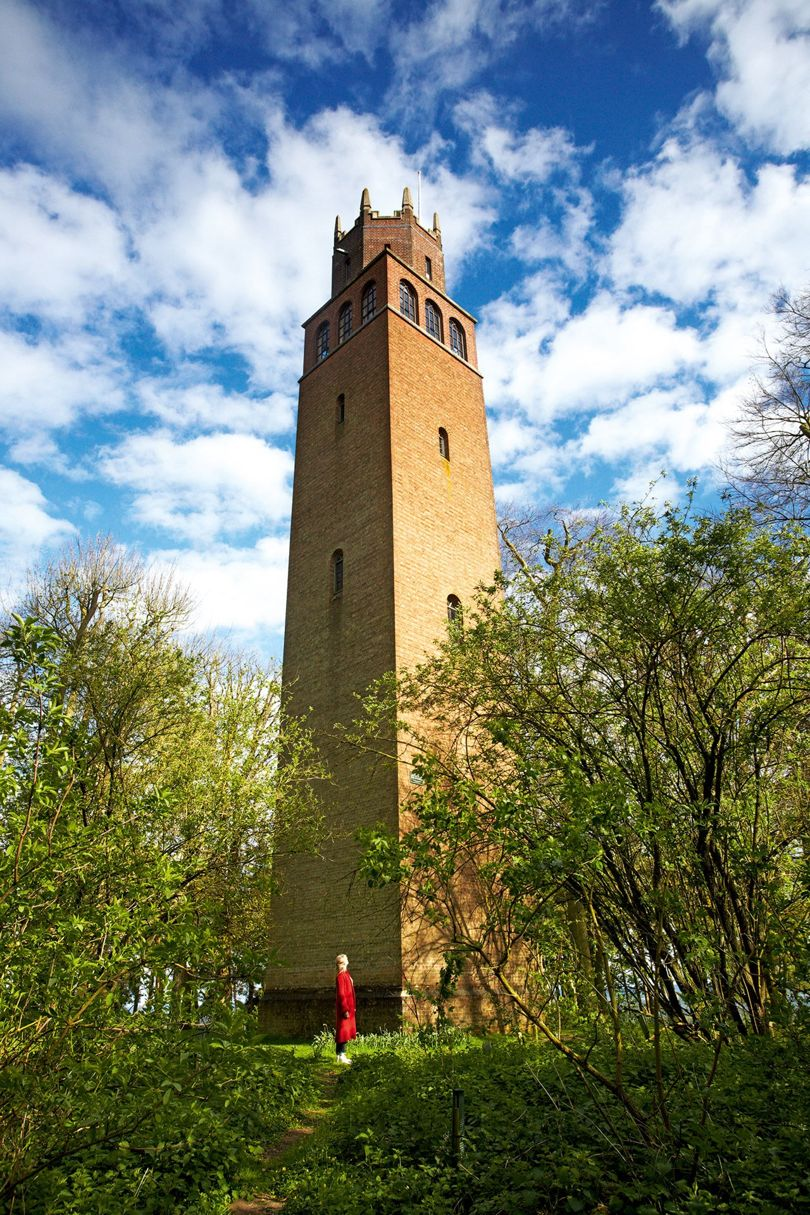 Faringdon folly, a tower that was Lord Berners' tribute to his good looking and wilful companion. It is said that he hung a notice there that read: 'Members of the public committing suicide from this tower do so at their own risk.' Robert gifted the tower, with the surrounding woodland, to the people of Faringdon