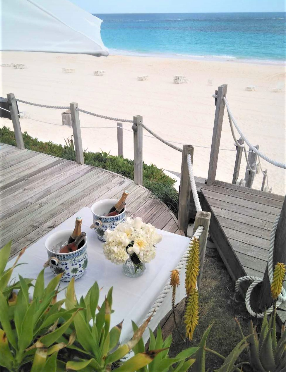 Beach Club - Rosewood Bermda