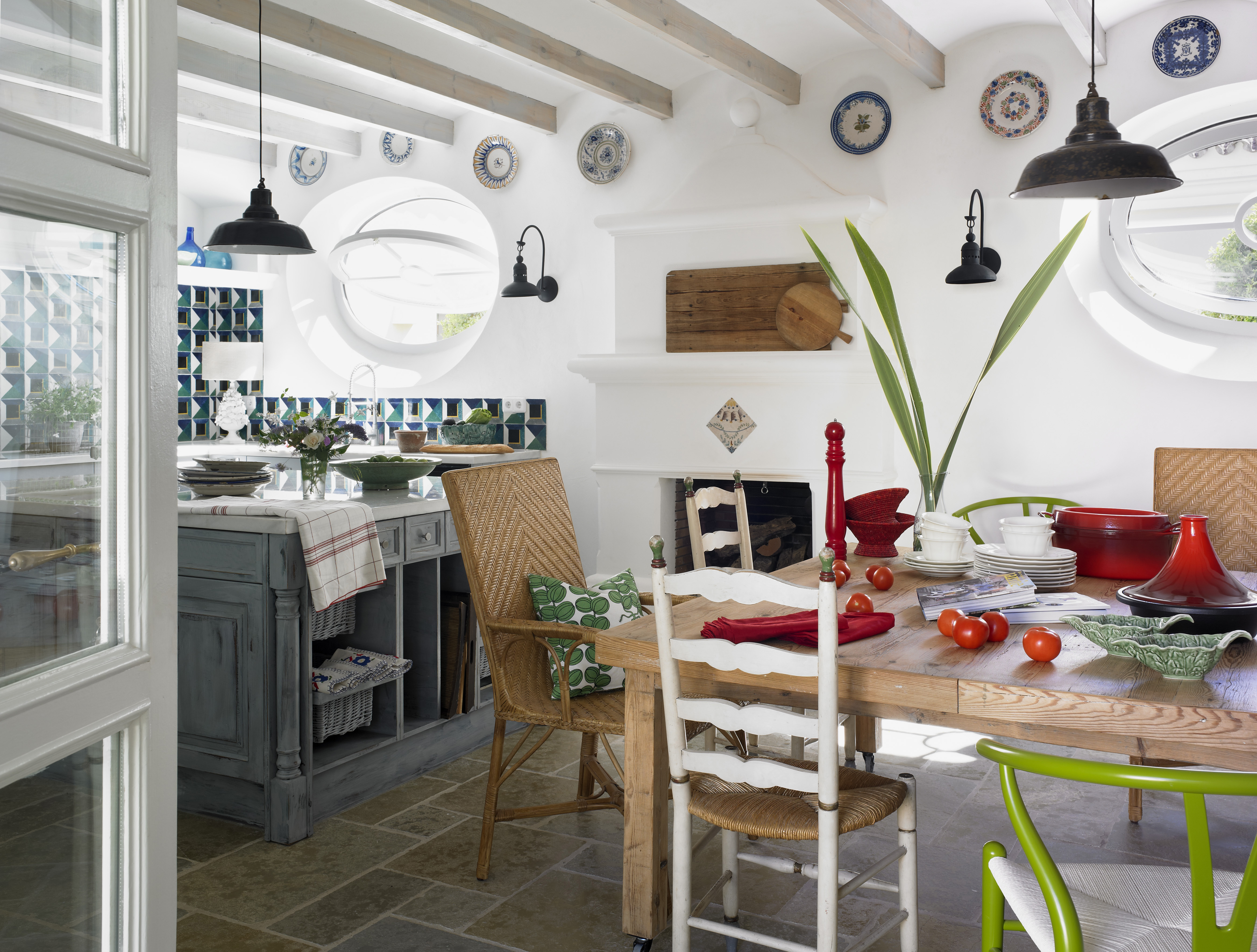 A kitchen in Sotogrande designed by Melian Randolph | Directorio Deco by Gloria Gonzalez