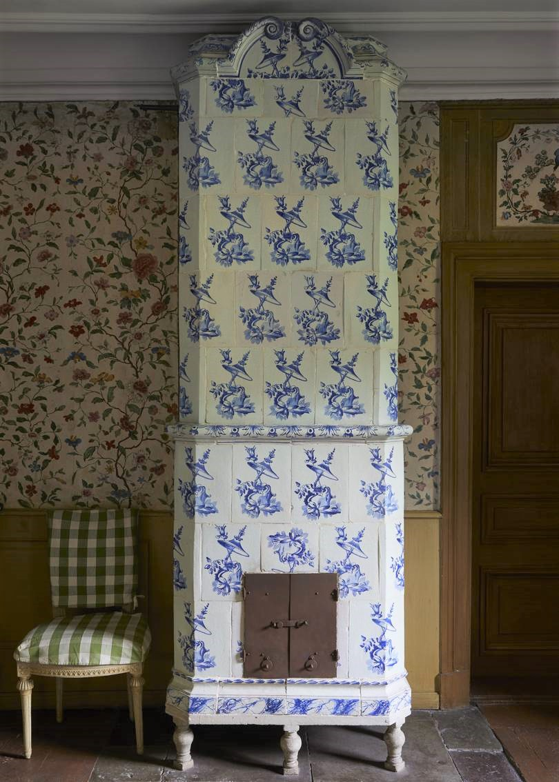 Gingham at Svindersvik, a beautiful Rococo mansion in Sweden