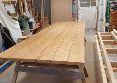 Stunning Quarter Sawn English Oak solid top feathering the red Padauk wood lines.  SASPOONER