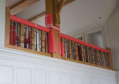 Lutyens Oak Staircase Square Spindle Gallery SASPOONER