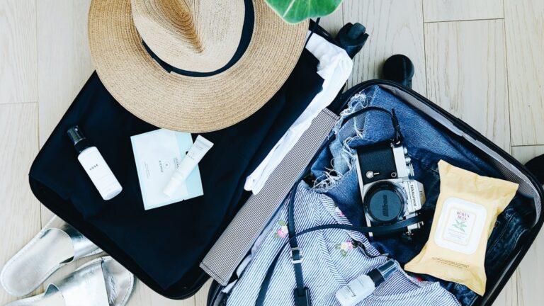 Smart travel luggage items
