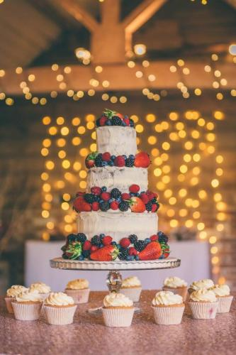 Naked Cake by Rob Tarren Photography